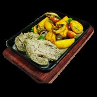 Буженина с картофелем по деревенски с горчичным соусом на сковороде